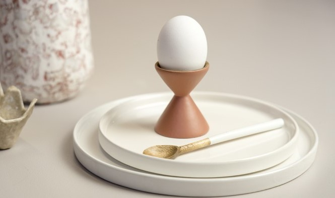 eggcup sienna plates white