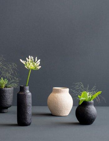 vases paper pulp black